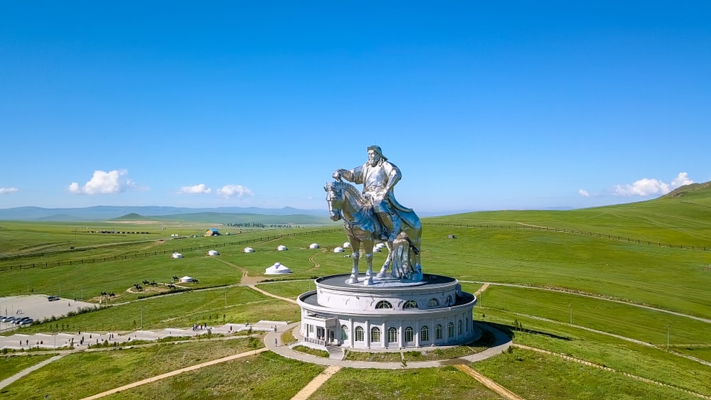 World's largest horse statue