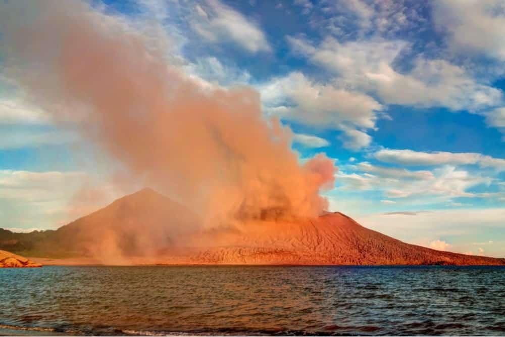 The eruption of Tavurvur volcano