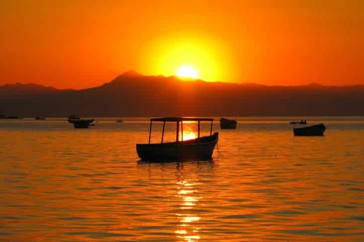 Interesting facts about Malawi include the spectacular Lake Malawi