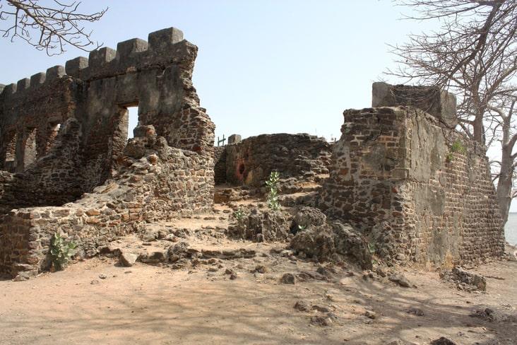 Ruins on Kunta Kinteh Island
